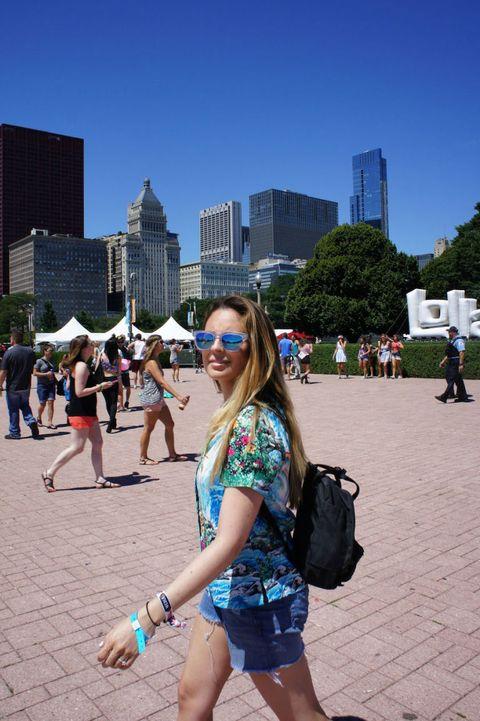 Human body, Urban area, Tourism, Sunglasses, City, Tower block, Building, Metropolitan area, Shorts, Summer,