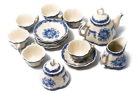 Serveware, Blue, Dishware, Porcelain, Blue and white porcelain, Ceramic, Tableware, earthenware, Drinkware, Pottery,
