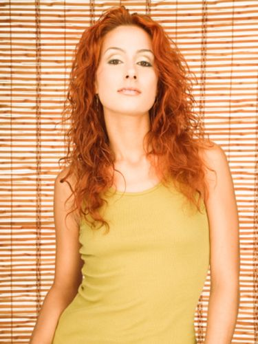Do men prefer redheads