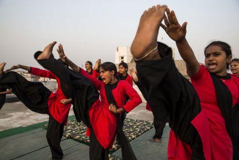 Performing arts, Entertainment, Dancer, Wrist, Performance, Team, Choreography, Dance, Performance art, Physical fitness,