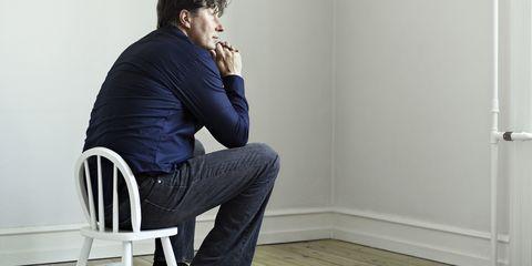 Sleeve, Shoulder, Elbow, Jeans, Denim, Sitting, Floor, Comfort, Flooring, Wood flooring,