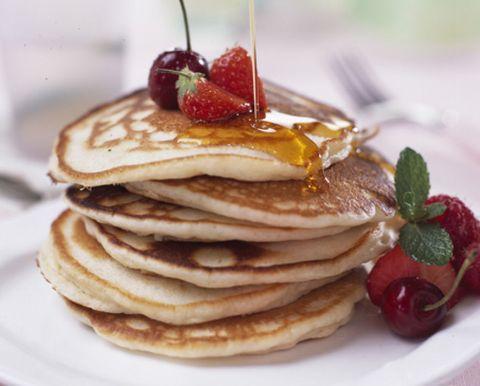 Food, Ingredient, White, Dish, Cuisine, Breakfast, Plate, Fruit, Pancake, Garnish,
