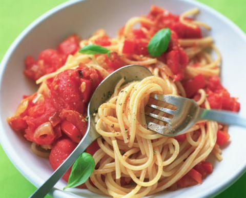 Food, Cuisine, Ingredient, Pasta, Dish, Noodle, Spaghetti, Chinese noodles, Condiment, Tableware,