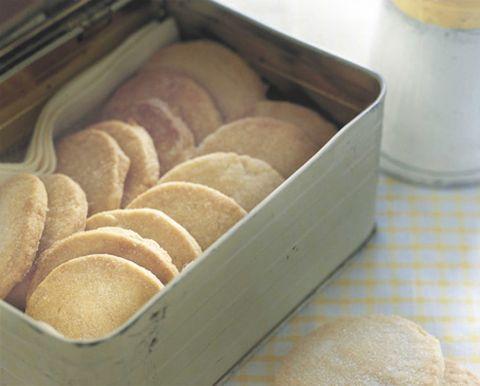 Food, Ingredient, Cuisine, Finger food, Baked goods, Bread, Gluten, Snack, Beige, Dessert,