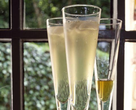 Glass, Liquid, Fluid, Drinkware, Drink, Alcoholic beverage, Barware, Tableware, Cocktail, Ingredient,