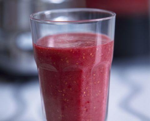 Liquid, Drink, Vegetable juice, Juice, Ingredient, Magenta, Health shake, Smoothie, Condiment, Batida,