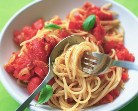 Food, Cuisine, Ingredient, Noodle, Spaghetti, Pasta, Dish, Chinese noodles, Tableware, Condiment,