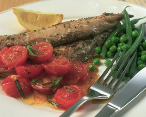Food, Dishware, Ingredient, Produce, Vegetable, Tableware, Kitchen utensil, Tomato, Cuisine, Cutlery,