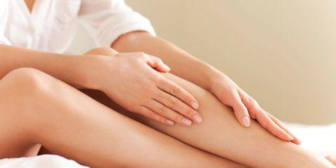 Finger, Skin, Joint, Human leg, Comfort, Nail, Wrist, Organ, Stomach, Tan,