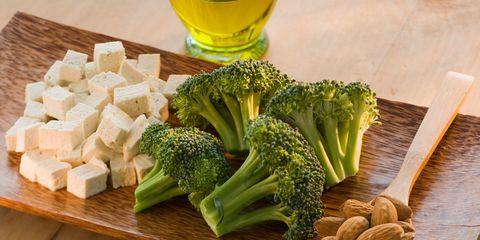 Vegan nutrition, Whole food, Ingredient, Food, Drink, Leaf vegetable, Natural foods, Vegetable, Produce, Alcoholic beverage,
