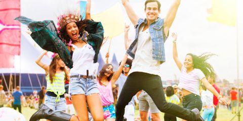 Leg, Entertainment, Social group, Performing arts, Dancer, Band plays, Abdomen, Artist, Thigh, Performance,