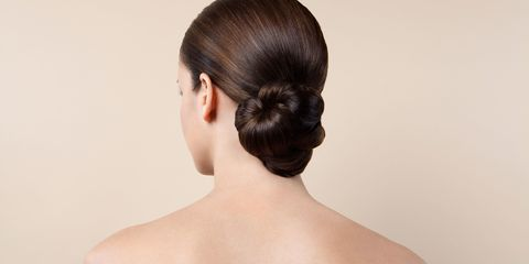 Ear, Hairstyle, Skin, Chin, Forehead, Shoulder, Eyebrow, Joint, Back, Style,