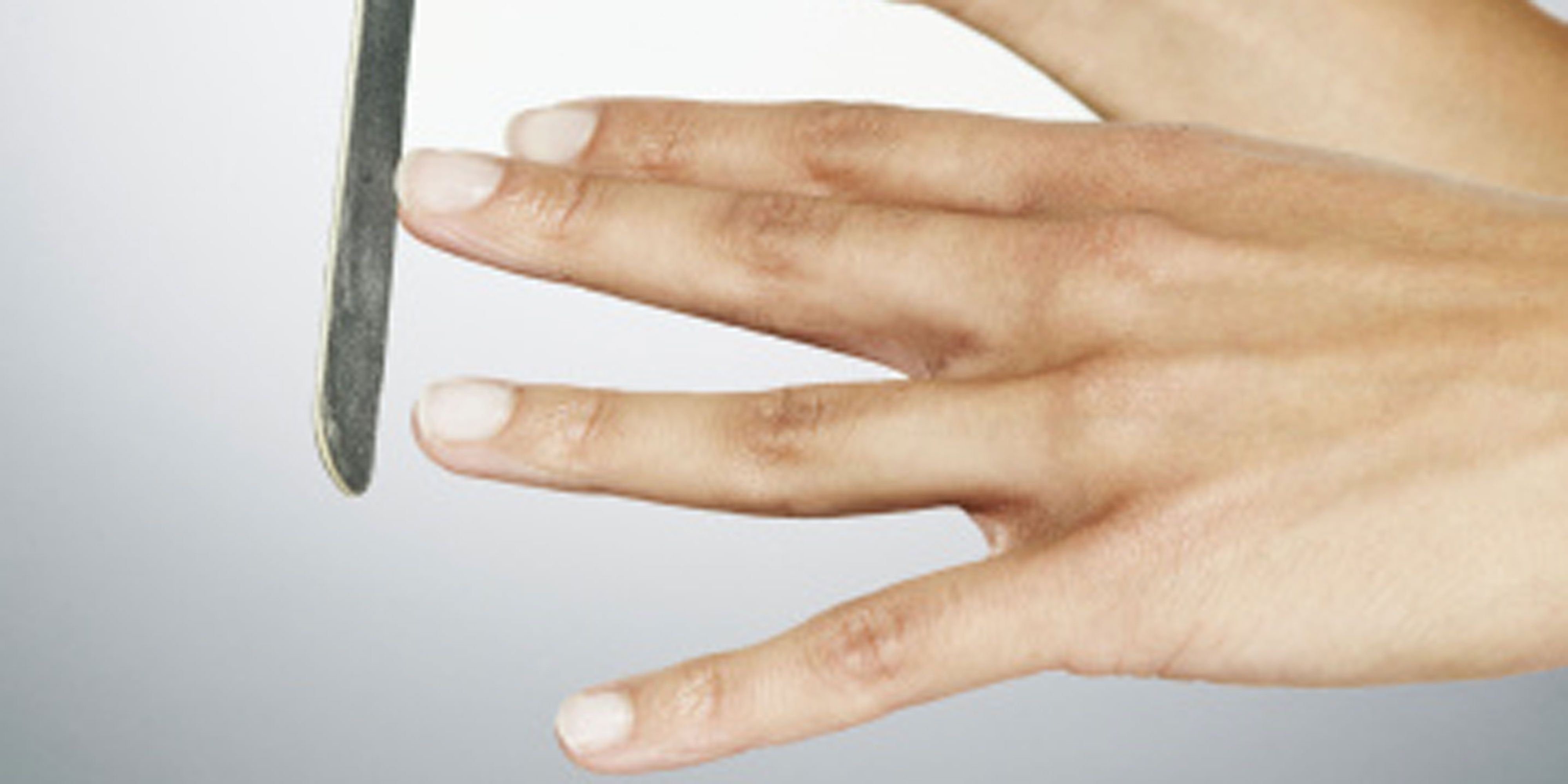 Two-minute health test: nails