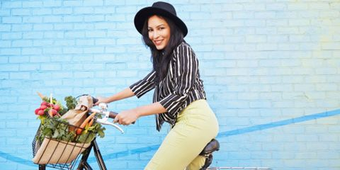 Hat, Bicycle accessory, Bicycle basket, Bicycle handlebar, Sun hat, Street fashion, Headgear, Bicycle, Cool, Bicycles--Equipment and supplies,