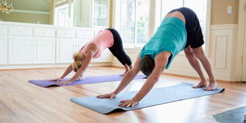 Shoulder, Physical fitness, Wrist, Flooring, Exercise, Elbow, Human leg, Joint, Active pants, yoga pant,