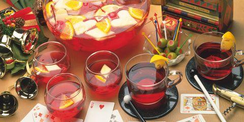 Serveware, Dishware, Crème de cassis, Bowl, Distilled beverage, Punch, Rum, Liqueur, Apéritif, Fruit syrup,