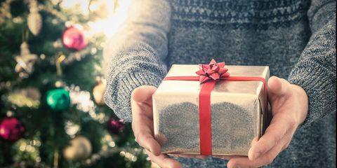 Carmine, Petal, Holiday, Christmas decoration, Coquelicot, Sweater, Present, Nail, Christmas, Christmas eve,