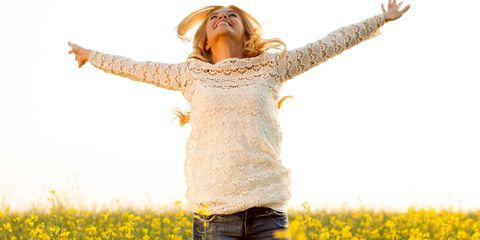 Finger, Yellow, Sleeve, Happy, Field, Rejoicing, Agriculture, People in nature, Jeans, Denim,