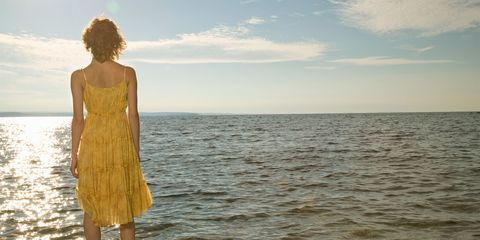 Fluid, Liquid, Dress, Ocean, Horizon, Summer, Sea, Waist, People in nature, Sunlight,
