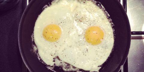 Egg yolk, Fried egg, Food, Meal, Egg white, Breakfast, Ingredient, Cooking, Dish, Recipe,