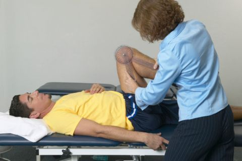 Comfort, Wrist, Elbow, Human leg, Joint, Knee, Chiropractor, Lap, Therapy, Abdomen,