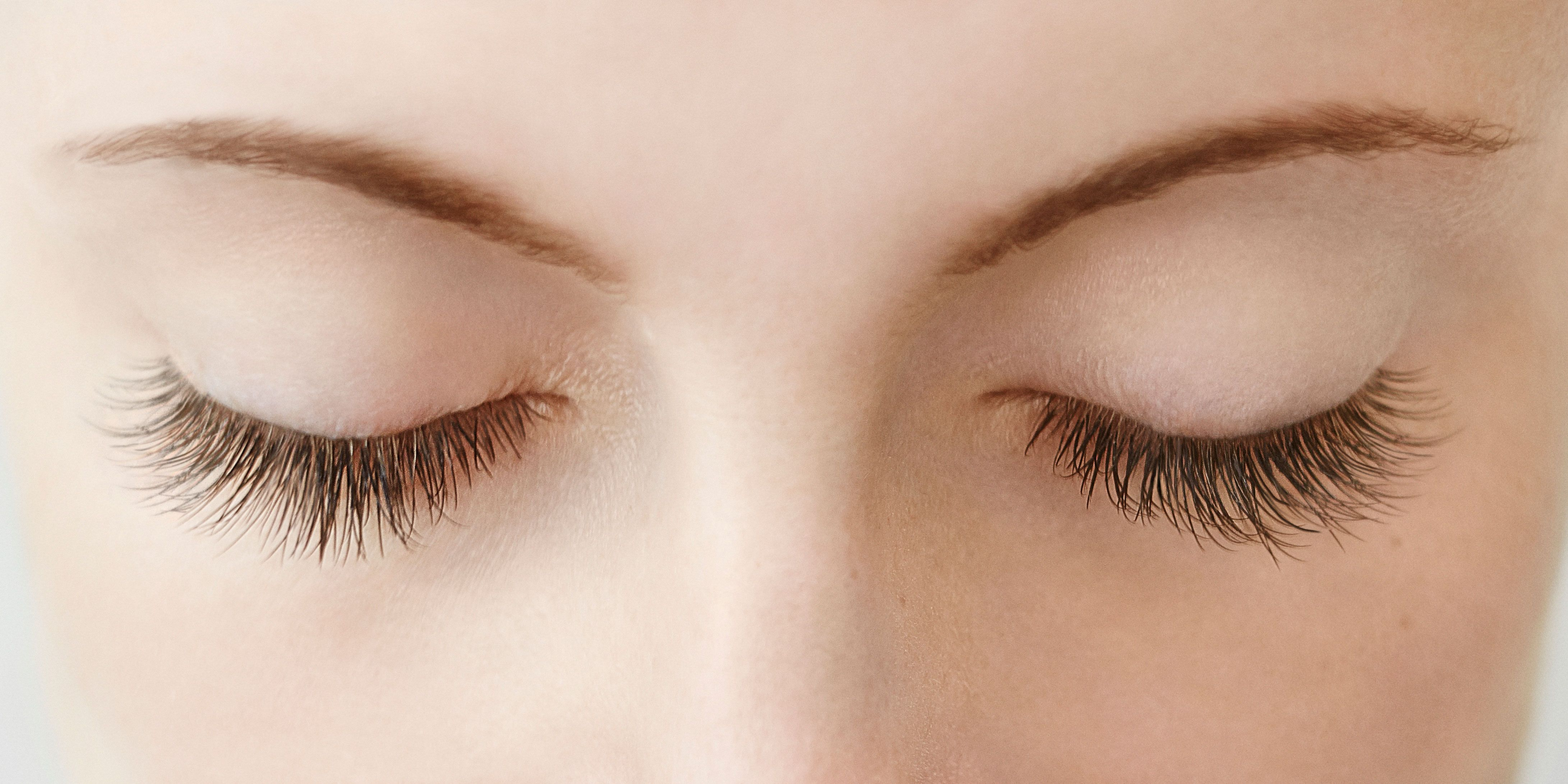 The Controversial Eyelash Lengthening Product You Need To Know About