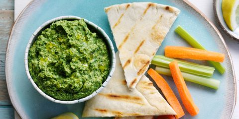Pitta with spinach houmous