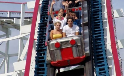 Fun, People, Recreation, Red, Leisure, Facial expression, Summer, Landmark, Amusement ride, Organ,