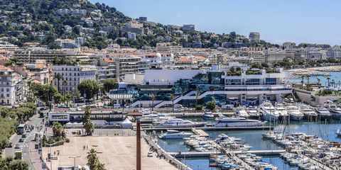 Neighbourhood, Town, Residential area, City, Watercraft, Marina, Building, Harbor, Dock, Real estate,