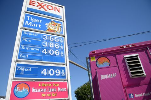 Magenta, Landmark, Signage, Purple, Gas, Electricity, Sign, Advertising, Electrical supply, Electrical network,