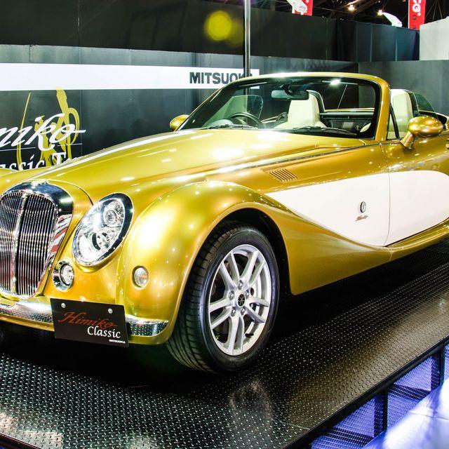 Tire, Motor vehicle, Mode of transport, Automotive design, Vehicle, Land vehicle, Automotive lighting, Transport, Headlamp, Car,