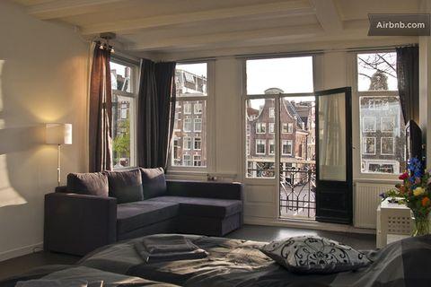 Room, Interior design, Floor, Property, Flooring, Home, Wall, Ceiling, Interior design, Living room,