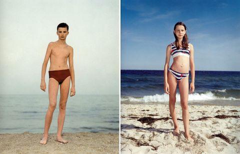 Leg, Fun, Skin, Human leg, Shoulder, Photograph, Standing, Summer, Beauty, People in nature,