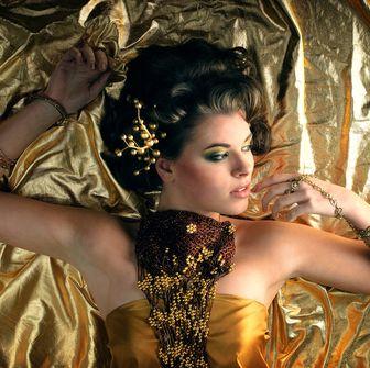 Hand, Eyelash, Eye shadow, Fashion model, Makeover, Eye liner, Model, Day dress, Cg artwork, Body jewelry,