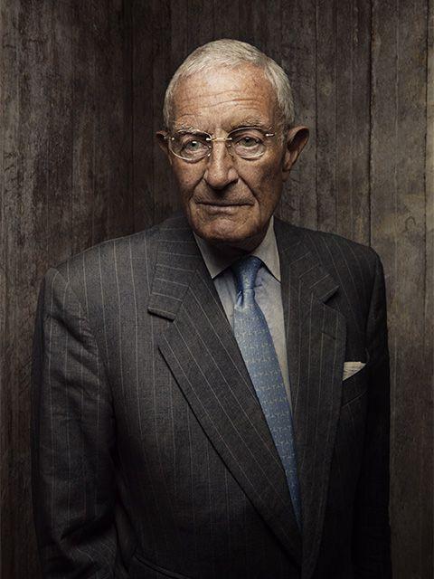 Portrait, Glasses, Elder, Wrinkle, Photography, Suit, Official, Facial hair, Portrait photography, Businessperson,