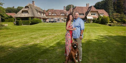 Property, Dog, Canidae, Lawn, Grass, Dog walking, Estate, Irish setter, House, Sporting Group,