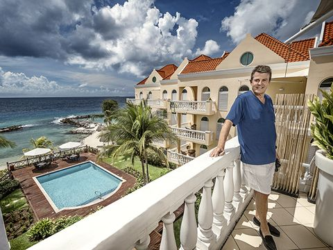 Leg, Property, Real estate, Tourism, Leisure, Resort, Swimming pool, Vacation, House, Azure,