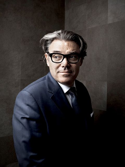 Glasses, Eyewear, Suit, Forehead, Portrait, Photography, White-collar worker, Vision care, Portrait photography, Formal wear,