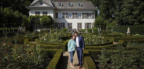 Property, Garden, House, Estate, Botany, Mansion, Building, Botanical garden, Tree, Architecture,