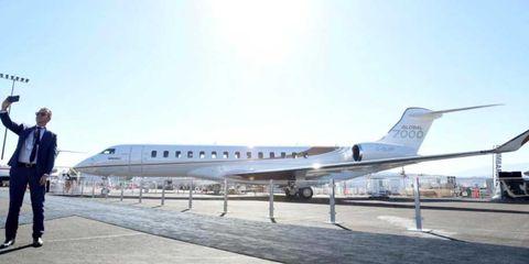 Aircraft, Aviation, Vehicle, Airplane, Airline, Airliner, Air travel, Aerospace engineering, Flight, Gulfstream v,