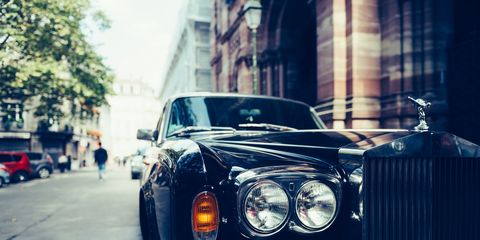 Land vehicle, Vehicle, Car, Luxury vehicle, Motor vehicle, Headlamp, Rolls-royce, Classic car, Automotive design, Classic,