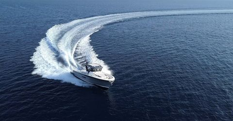Yacht, Boat, Luxury yacht, Vehicle, Water, Sea, Naval architecture, Ocean, Watercraft, Geological phenomenon,