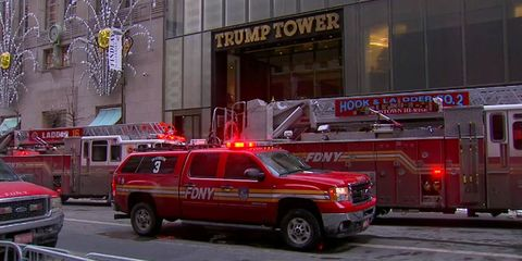 Land vehicle, Vehicle, Car, Emergency, Emergency service, Emergency vehicle, Fire department, Transport, Mode of transport, Fire apparatus,