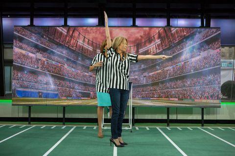 Green, Sport venue, Stadium, Competition event, Net, Fun, Advertising, Leisure, Games, Plant,