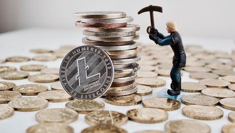 Money, Cash, Currency, Coin, Saving, Money handling, Stock photography, Dime, Metal, Quarter,