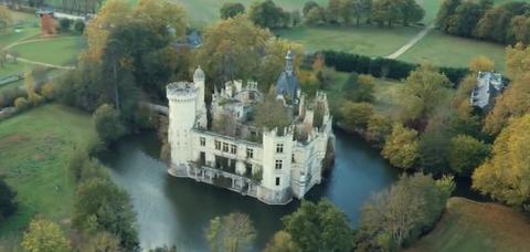 Nature, Castle, Estate, Château, Natural landscape, Aerial photography, Waterway, Property, Water castle, Building,