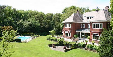 Property, Home, House, Estate, Real estate, Building, Lawn, Grass, Yard, Backyard,