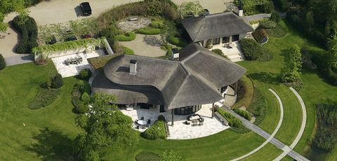 Architecture, Aerial photography, Estate, Building, Bird's-eye view, Mansion, Landscape, House, Land lot, Photography,
