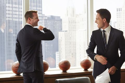 White-collar worker, Suit, Conversation, Business, Businessperson, Formal wear, Gesture, Management, Job, Event,