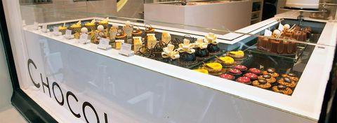 Food, Buffet, Cuisine, Pâtisserie, Dessert, Finger food, Petit four, Brunch, Dish, Pastry,